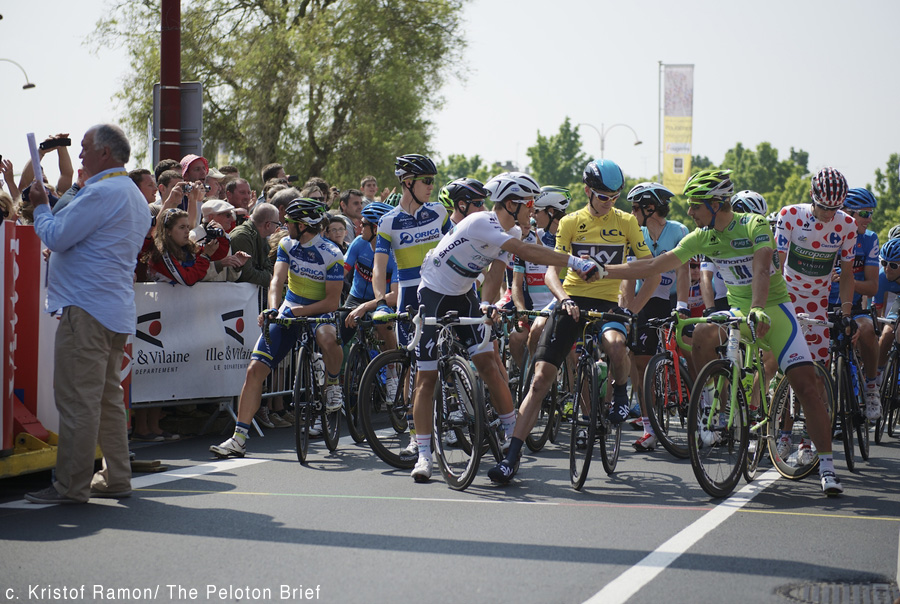 Peter Sagan (SVK) & Michal Kwiatkowski (POL) shake hands at the start while Chris Froome (GBR) approves  Tour de France 2013 stage 12: Fougres - Tours 218km